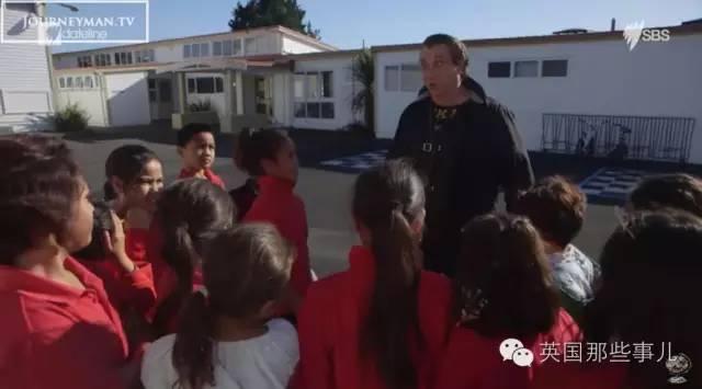 给孩子们做三明治...让毒贩滚蛋...这个新西兰黑帮不太冷~ - 莆田鞋之家 0594sneaker.com