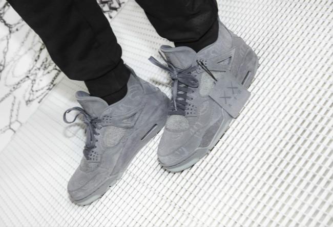 KAWS x Air Jordan 4 联名 - 莆田鞋