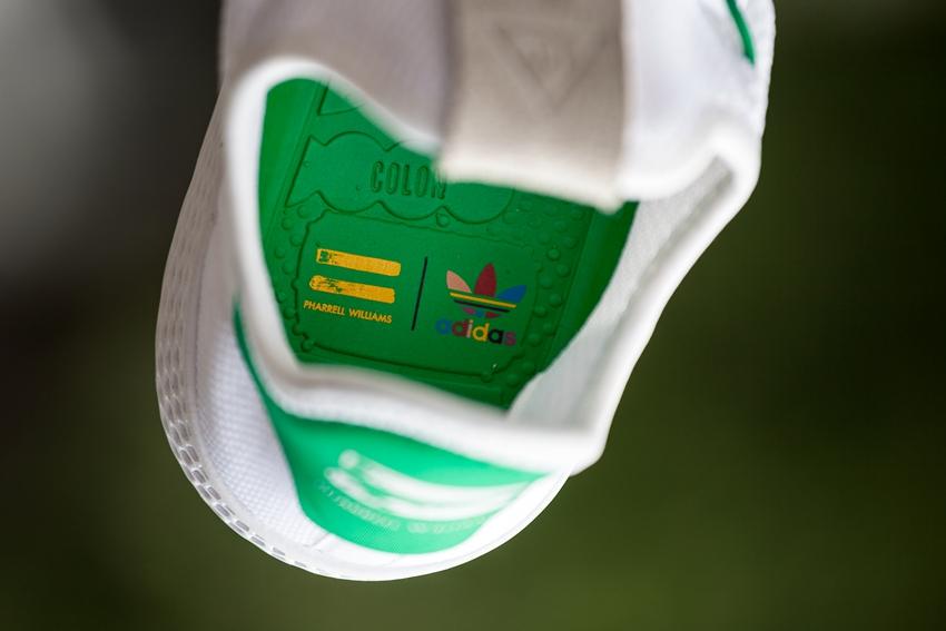 """菲董,本周,球鞋,圈,的,大事,之一,无疑,是,  这双传说中的 """"高端绿尾"""" 上脚效果到底如何?"""