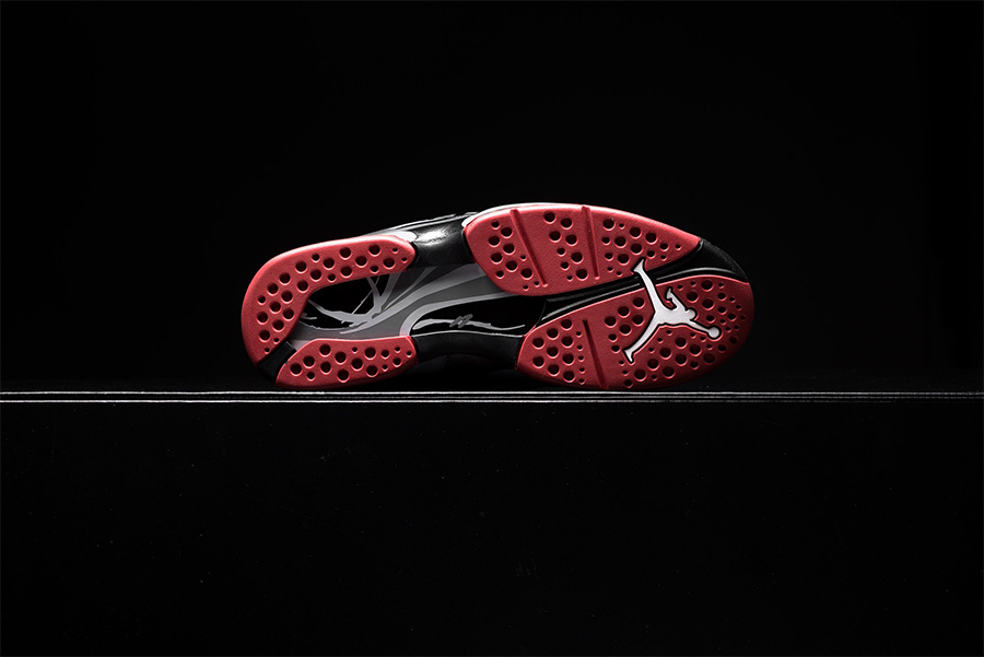 305381-022,AJ8,Air Jordan 8 305381-022AJ8 沉稳又经典!黑红配色 Air Jordan 8 将于下周发售